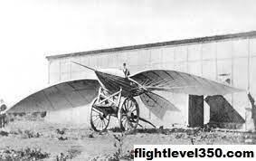 7 Pesawat Terbang Pertama di Dunia Yang Harus Anda Ketahui